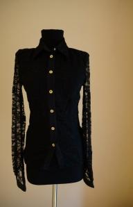 Черная женская рубашка на пуговицах